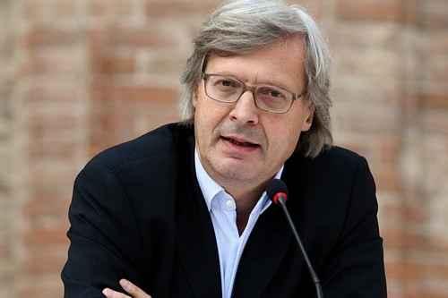 Vittorio Sgarbi denunciato da Aidaa per aver offeso più volte le capre